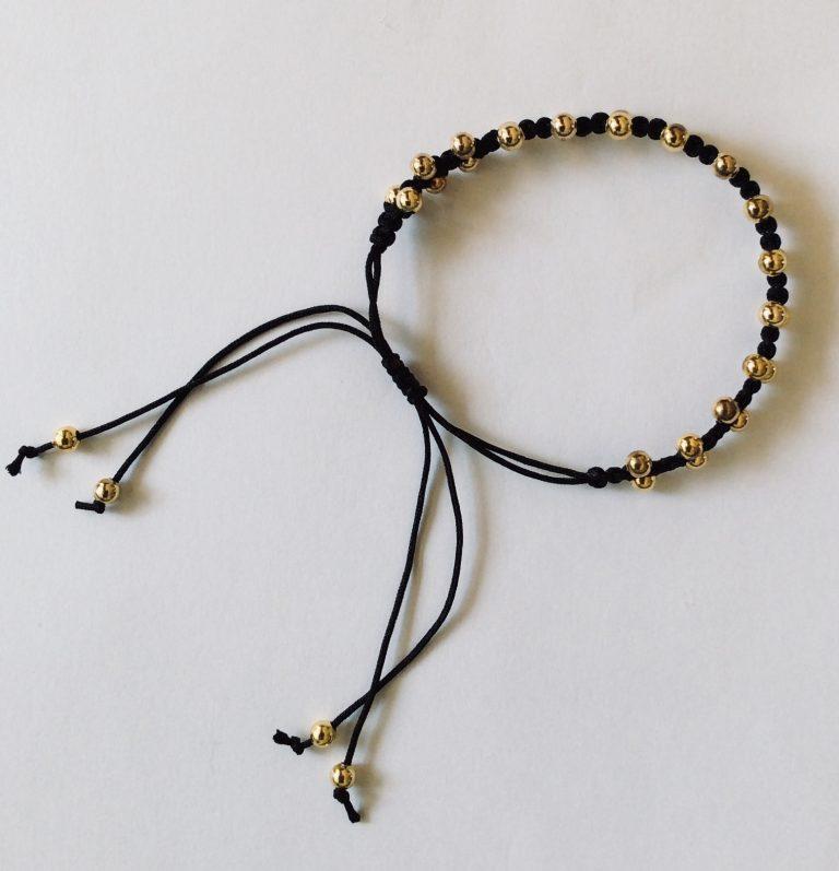Fint perle armbånd med grå silkesnor - Wioga
